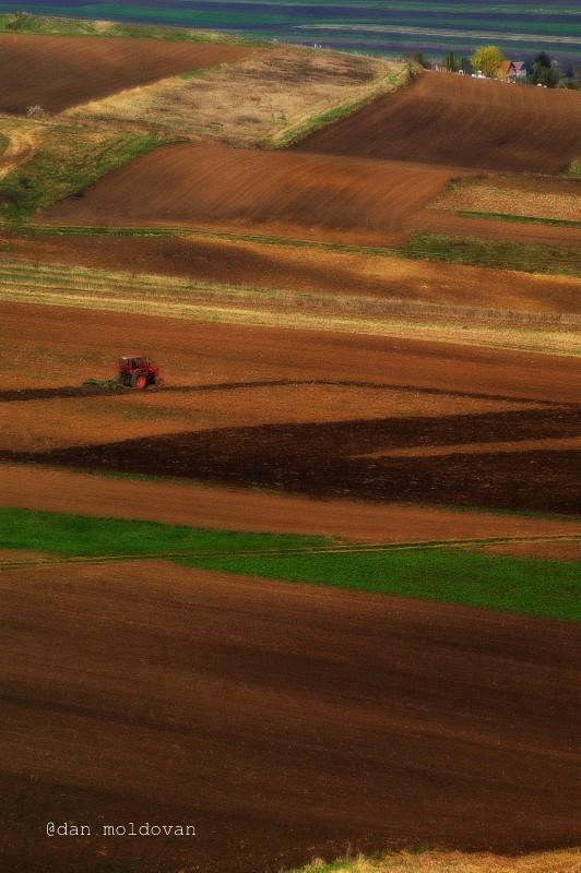 Tractorul roşu